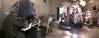 Артур рыбакин провел первую в мире пластическую операцию в тандеме с роботом