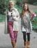 Алисия Дюваль на прогулке с дочерью