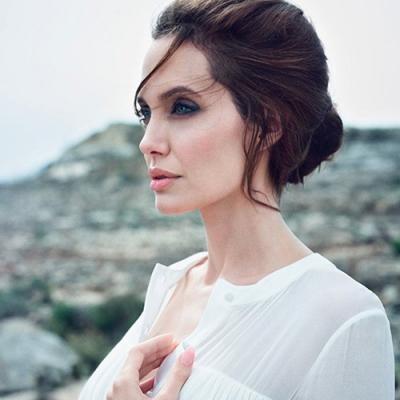 Пластические хирурги признали лицо Анджелины Джоли идеальным