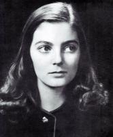 Кармен Делл'Орефиче в детстве