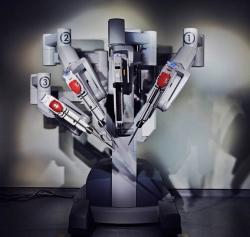 Ученые изобрели первого российского робота-хирурга