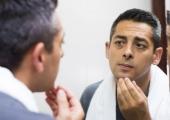 Почему мужчины идут напластические операции?