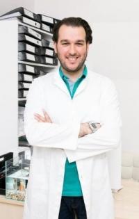 Пластический хирург Амжад Аль-Юсеф