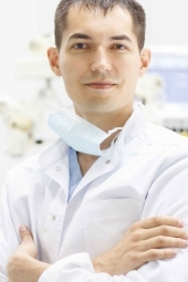 Пластический хирург Нияз Муратов