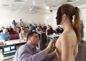 Пластическим хирургам прочли лекцию по подбору грудных имплантатов