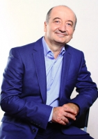 Пластический хирург Таир Алиев