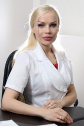 Пластический хирург Галина Хрущ.