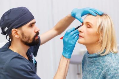 Эстетическая хирургия в России начинает испытывать кризис