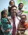 Майк Варшавски участвует в благотворительных миссиях, например, в Эквадоре
