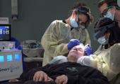 Инновационный аппарат для пересадки волос стал доступен в США и Австралии