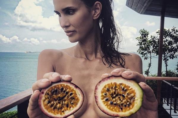 Алана Мамаева грудь