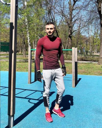 Георгий Чемянов на спортплощадке