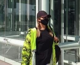 Аниту Цой заподозрили в пластике из-за маски на лице
