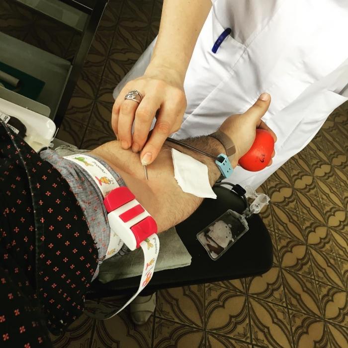 Пластический хирург Гукас Миракян и донорство крови