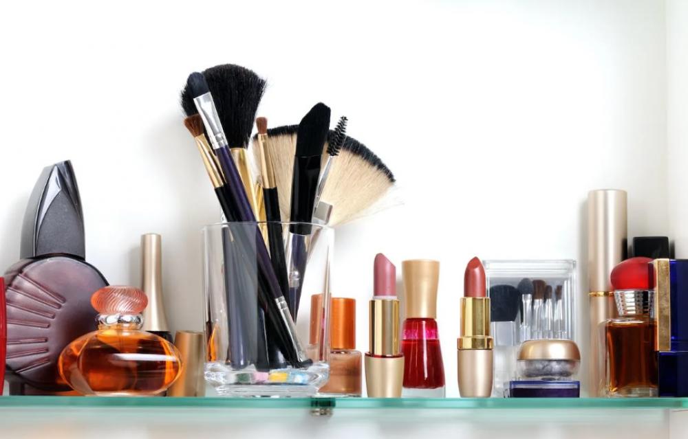 Полезные хитрости макияжа после ринопластики или подтяжки
