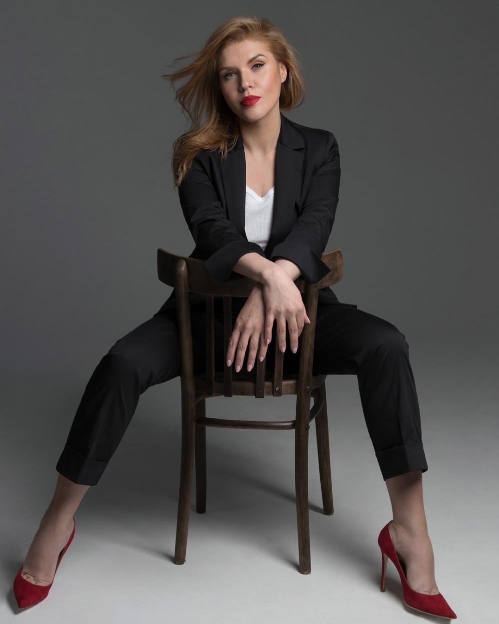 Алена Перова