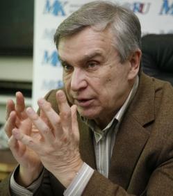 Профессор Александр Неробеев